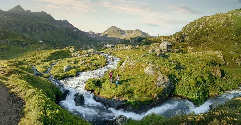 Ausztria -nyitva vannak vendéglátóhelyek és május 29-én megnyitnak a szálláshelyek, a szabadidős létesítmények és az egyéb turisztikai attrakciók is.