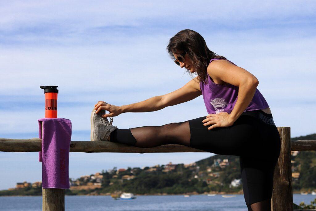 Az edzés végén a nyújtás nem maradhat el, mely nem csak rugalmasabbá, lazábbá teszi izmaidat, hosszútávon javítva a teljesítményed.