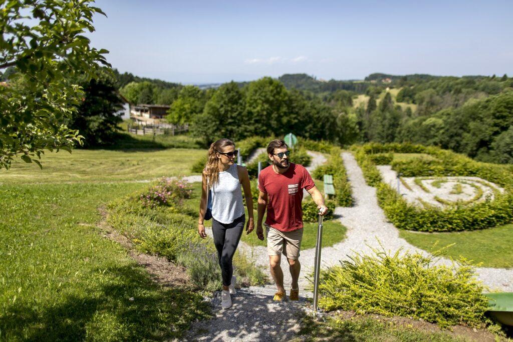 sebastian-RELOADED-Themenwanderweg-in-Lassnitzhoehe_Region-Graz_Tom-Lamm_2